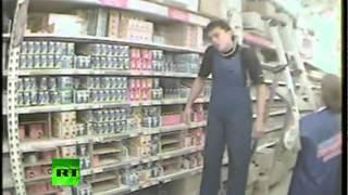 """Акция арт-группы """"Война"""" в """"Ашане"""" в 2008 году (18+)"""