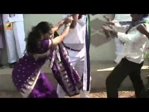 YSR Congress leader beaten up publicly by party female leader – Karimnagar