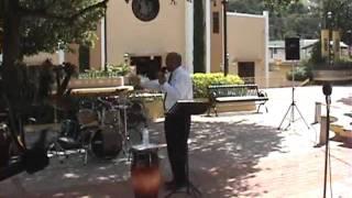 Servicio evangelístico en la Plaza de Comerío, Puerto Rico 4.wmv