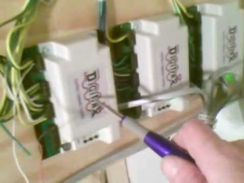 Wiring of the layout with Digitrax DCC and the DS64 - YouTube