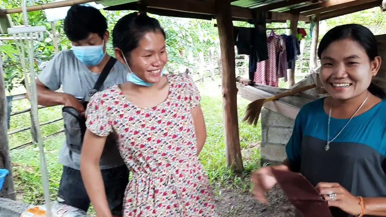 อุดหนุนซื้อปลานินในหมู่บ้านจรา