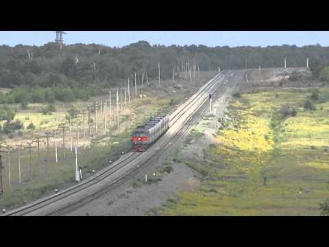 Пассажирский поезд Балаково-Москва идет по перегону Шиханы-Новая-Сенная