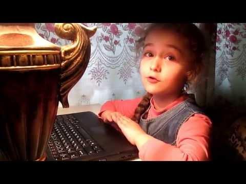 Олександра Алєксєєнко читає вірш сестри