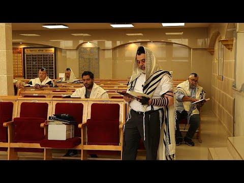 بسبب الخوف من معاداة السامية: يهود فرنسا بين الهجرة الداخلية والهجرة الى إسرائيل…