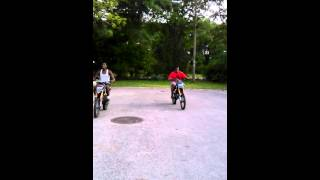 125cc apollo dirt bike drag race