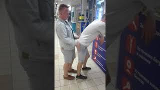 Порно в торговом центре