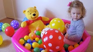 Fun Way to Learn Colors for Toddlers in Balloon Pool/Colour with Ball Pits and Balloons/Los Colores/