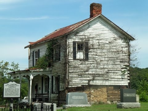 Abandoned 200+ Year Old House In the Middle of a Cemetery!