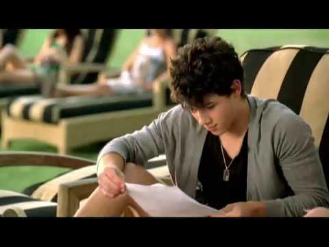 Jonas Brothers- Burning up Official Music Video(HQ) + Lyrics