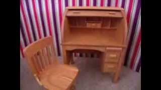 *opening* Kit's School Desk