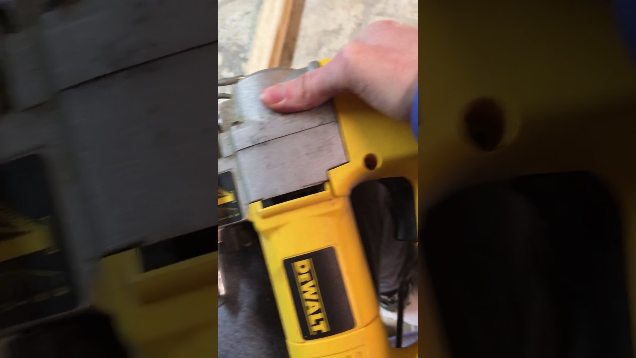 Dewalt jigsaw blade stuck fix youtube dewalt jigsaw blade stuck fix greentooth Images