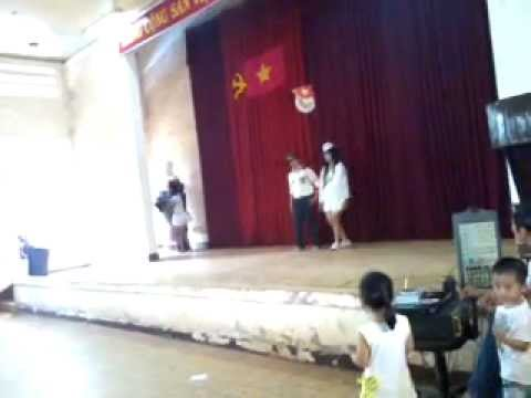 Thoi trang lop 10a1 truong xuan my.mp4