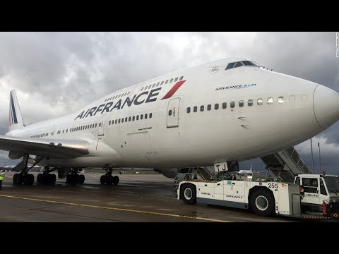AIR FRANCE INSTEAD OF THE MD-11   PARIS-MONTREAL   BOEING 747