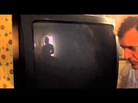 Signs (2002) Jump Scare - Alien In The Television Reflection