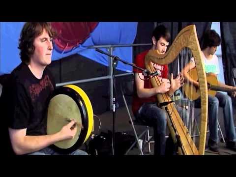 Celtic Irish Harp Band Kavan Donohoe