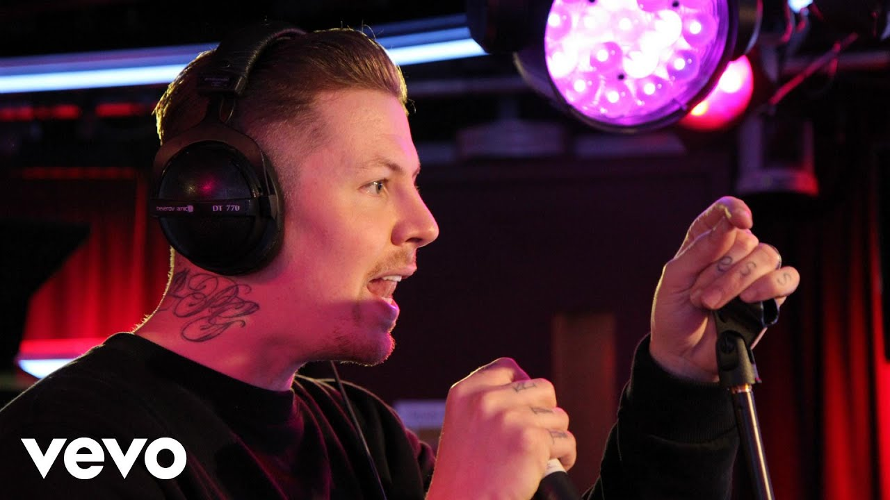professor-green-dont-ft-tori-kelly-ed-sheeran-cover-in-the-live-lounge-bbcradio1vevo