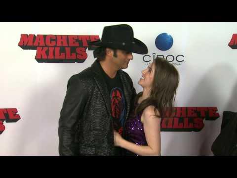 Robert Rodriguez presume mucho amor en la premiere de Machete Kills