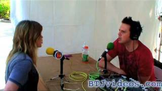 Boy Toy Jesse Interviews Kelly Clarkson in BAHAMAS