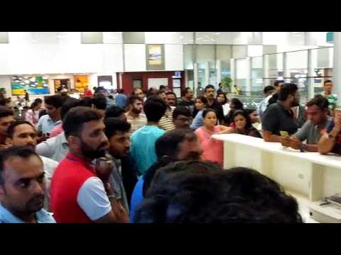 Thumbnail: Passengers angry on Spicejet Airline at GOA airport like Big boss fight
