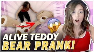 ROOMMATES PRANK POKI WITH ALIVE TEDDY BEAR!! Fortnite BR!
