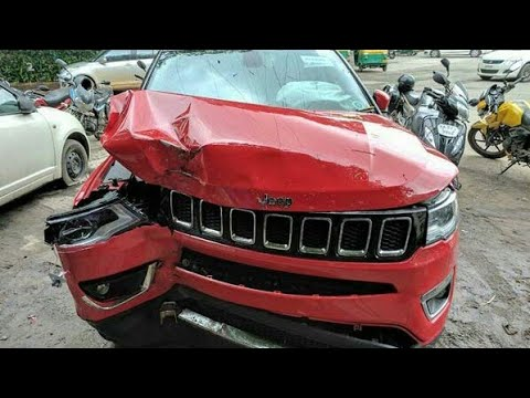 Jeep Compass Crashes In Bangalore Shows Good Build Quality And