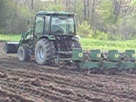 Montana 4340c Planting With John Deere 1240 4 Row Planter 2 Youtube