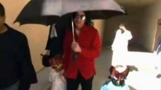 "Michael Jackson singing  randomly ""Smile"" in ""Living with Michael Jackson"""
