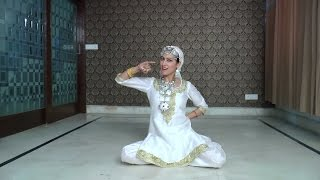 Sana Dua Performs Traditional Dance Of Kashmir
