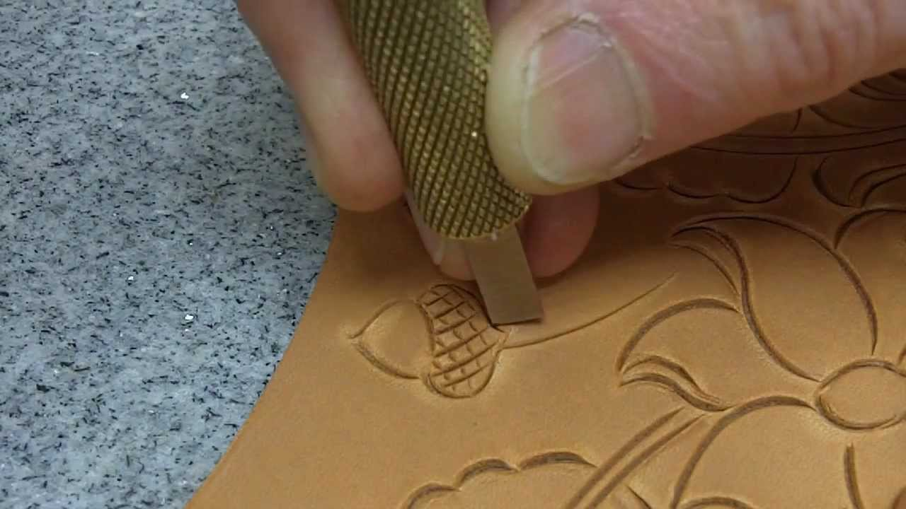 Leathercraft Leather Carving How To Use A Swivel Knife