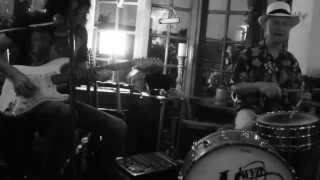 Gwyn Ashton feat Sticky Wicket - Ain