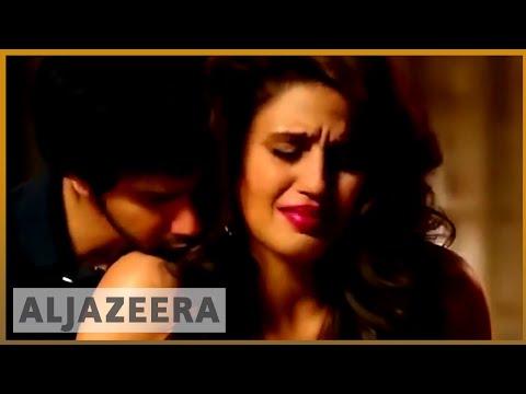 🇮🇳 Does Bollywood have a woman problem? | बॉलीवुड में महिलाओं का समस्यात्मक चित्रण