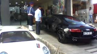 yo yo honey singh car ......AUDI R8