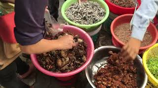 Asian Street Foods in Market || Cambodian market and easy to find.