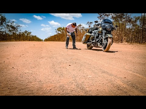 Riding A Stock HARLEY DAVIDSON To The Tip Of Australia - ROAD KING SPECIAL Part 4 Of 5