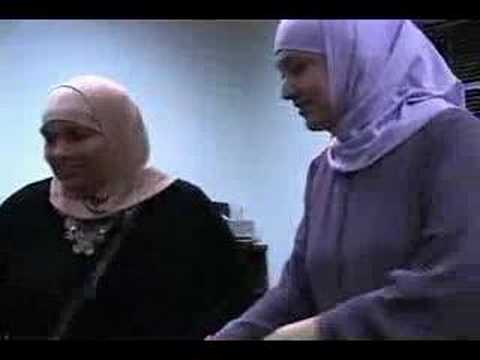 A Mexican/American revert lady talks about being a Muslimah