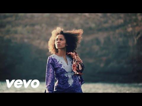 Nneka - Shining Star (Videoclip)