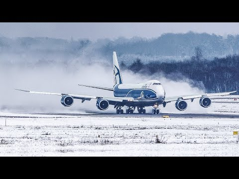BOEING 747 creating a SNOWSTORM during DEPARTURE (4K)
