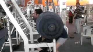 varinder singh ghuman ifbb pro doing full sqauts of 280 kg .
