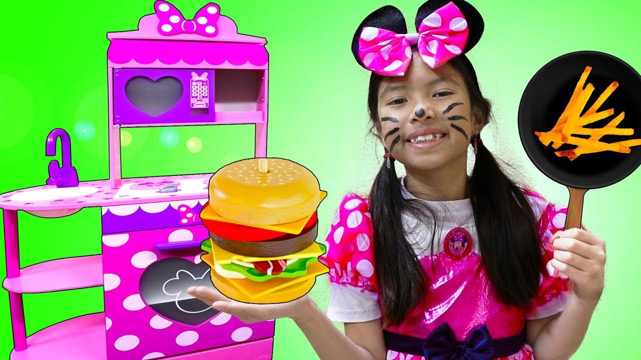 Wendy Pretend Play Minnie Mouse Kitchen Cooking Toy Restaurant Play Set