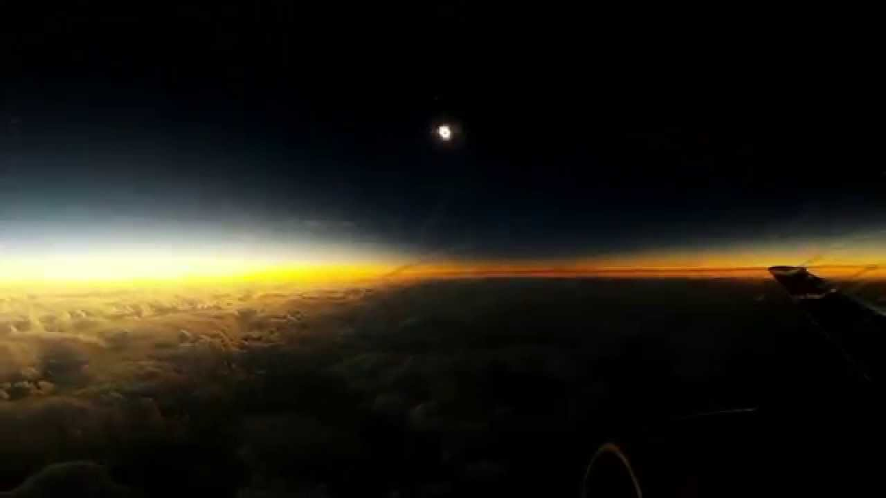 Total Solar Eclipse 20.03.2015 from plane (timelapse) - YouTube