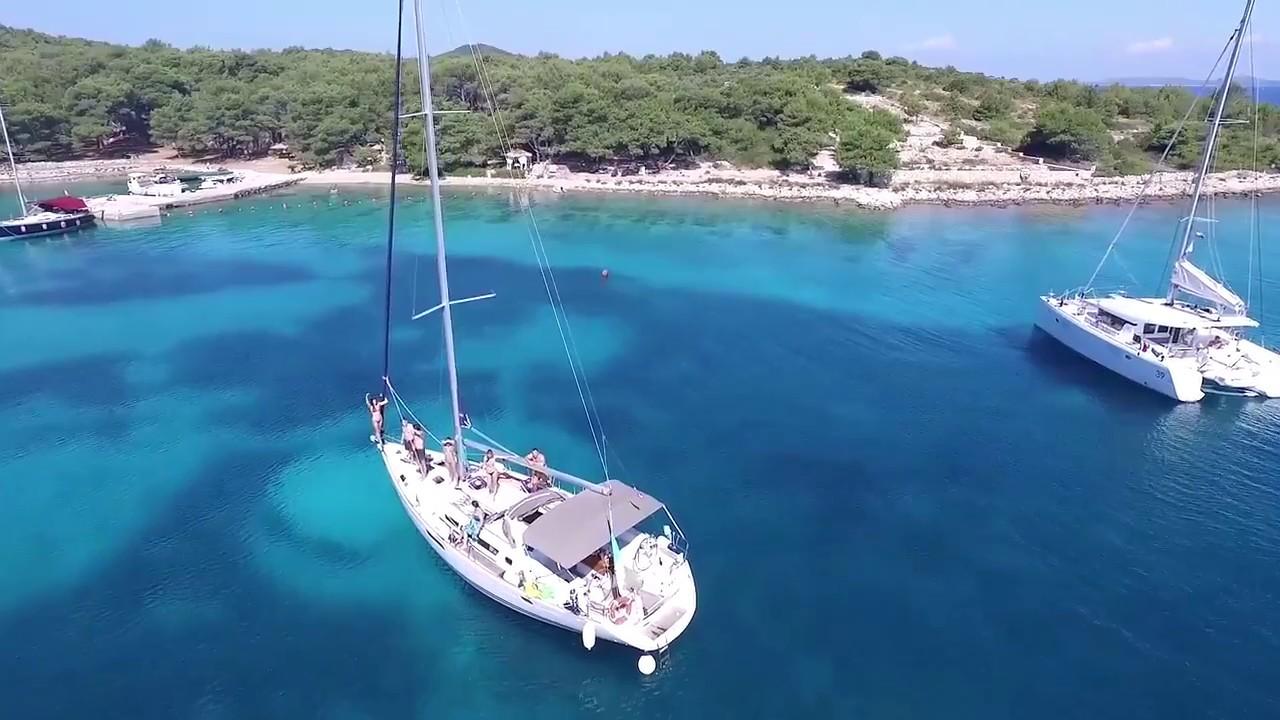 шкипер в хорватии с яхтой