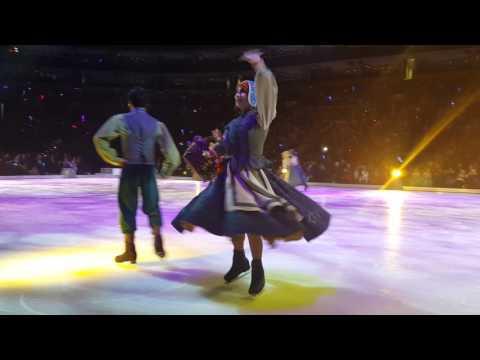 Elenor's disney on ice front row(3)