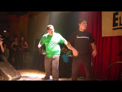 "El Inquebrantable McGinty y Manolito Metal cantan ""Take On Me"" en AK Madrid Mayo 2009"