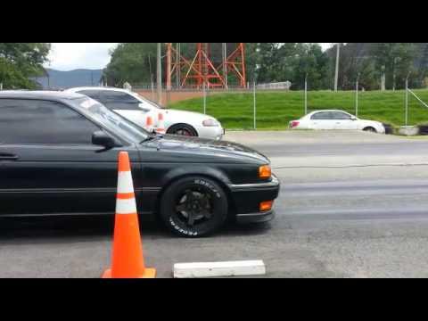 Nissan Sentra se-r b13 vs sentra b15 se-r - YouTube