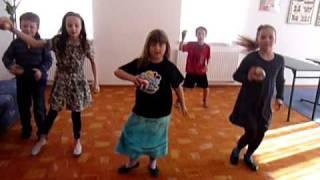 Letkis, zabawa z piłkami, zabawy przy muzyce, rytmika dla dzieci