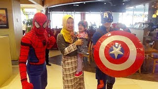 salsa bermain ke kidcity Bertemu Spiderman dan Captain America - Playground indoor for kids