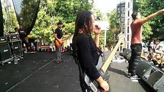 Download lagu Naff Terendap Laraku MP3