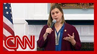 Dem congresswoman heckled over impeachment inquiry