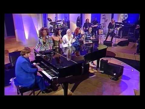 Spice Girls & Elton John Dont Go Breaking My Heart  HD