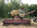 Harvester SK-5M1 Niva, engine start /// Комбайн СК-5М1 Нива, запуск двигателя
